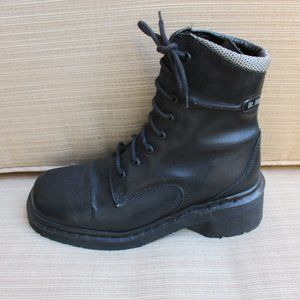 DR. MARTENS ~ DM's ~BOOTS ~ 7 ~BLACK LEATHER 9279